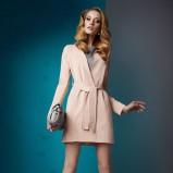 jasnoróżowy płaszczyk Sesst  - trendy wiosenno-letnie