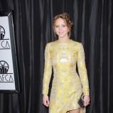 Jennifer Lawrence w żółtej sukience we wzory