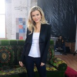 Joanna Krupa w garniturze - styl gwiazdy