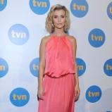 Joanna Krupa w malinowej sukni wieczorowej - styl gwiazdy