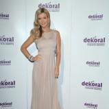 Joanna Krupa w sukni z trenem - styl gwiazdy