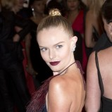 Kate Bosworth i ciemne usta
