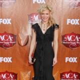 Kimberly Perry - Długie suknie na Sylwester i karnawał