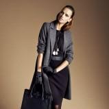 klasyczny płaszcz Reserved w kolorze szarym - moda na jesień i zimę