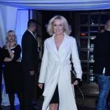klasyczny płaszcz w kolorze białym - Agata Młynarska