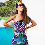 kolorowa sukienka Bershka w pasy asymetryczna - lato 2011