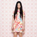 kolorowa sukienka Moschino - moda na wiosnę 2014