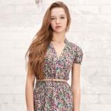 kolorowa sukienka Stradivarius w kwiaty - lato 2012