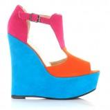 kolorowe sandały Stylowe buty na koturnie - wiosna/lato 2012