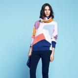 kolorowy sweterek Lacoste w geometryczne wzory - moda dla kobiet 2013