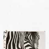 kopertówka Bershka z zebrą - torebki na wiosnę