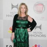 koronkowa sukienka w kolorze zielonym - Kathy Hilton