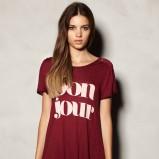 koszulka Pull and Bear z nadrukiem w kolorze bordowym - jesień-zima 2012/2013