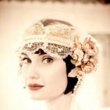 Krótka fryzura w czepku w stylu retro - weddingbells.ca