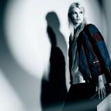 kurtka Bershka w kolorze granatowym - moda damska