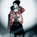 kurtka Bershka w kwiaty - moda dla kobiet