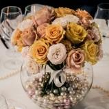 Kwiaty i dekoracje stołów