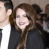 Lana Del Rey w ciemnoczerwonej szmince