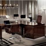 Luksusowe masywne biurko w kolorze ciemnego brązu - design na 2013
