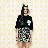 luźna bluzeczka Moschino w kolorze czarnym - moda na wiosnę 2014