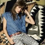 luźna jeansowa koszula Mango - propozycje na wiosnę i lato 2013