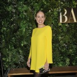 luźna sukienka w kolorze żółtym - Magda Modra