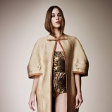 luźny płaszczyk Burberry w kolorze beżowym - moda 2013