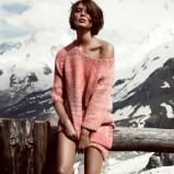 luźny sweter H&M w kolorze jasnoróżowym - ubrania na zimę