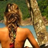 Luźny warkocz z dredów  - fantazyjne fryzury