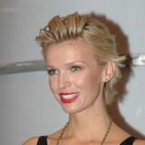 Magda Modeł - włosy zaczesane do tyłu