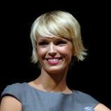 Magda Mołek w krótkiej fryzurce z grzywką