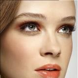 makijaż w ciepłym złocie