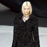 makijaż w kolorze srebra - Chanel