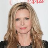 Michelle Pfeiffer z długimi luźno rozpuszczonymi włosami