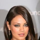 Mila Kunis - Makijaże gwiazd - inspiracje karnawałowe