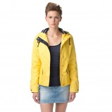 modna kurteczka Tommy Hilfiger w kolorze żółtym - kolekcja kurtek na wiosnę 2013