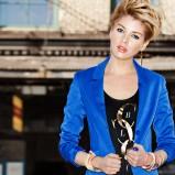 modna marynarka H&M w kolorze kobaltowym - trendy na jesień i zimę