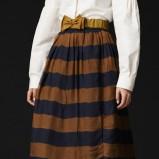 modna spódnica Burberry w pasy - spódniczki na jesień i zimę
