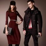 modna sukienka Burberry w kolorze bordowym - kolekcja na jesień 2012