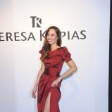 modna sukienka wieczorowa w kolorze bordowym - Agata Nizińska
