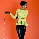 modna z długam rękawem bluzka Kasia Miciak w kolorze żółtym - kolekcja na jesień i zimę