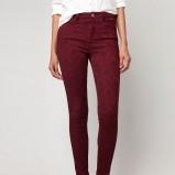 modne rurki Bershka w kolorze bordowym - spodnie na jesień i zimę