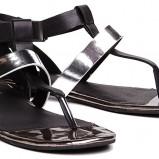 modne sandałki Reserved w kolorze grafitowym - lato 2013