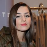 modny sweter w kolorze popielatym - Agnieszka Więdłocha