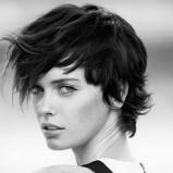 Naturalne krótkie włosy