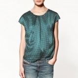 niebieska bluzka ZARA w groszki - trendy na jesień-zimę
