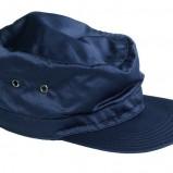 niebieska czapka H&M - moda zimowa