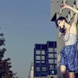 niebieska spódnica Tuwe w kwiaty - kolekcja letnia