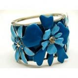 niebieski pierścionek Me'amoore z kwiatami - wiosna/lato 2011