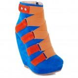niebieskie botki Jessice na koturnie - trendy na jesień-zimę